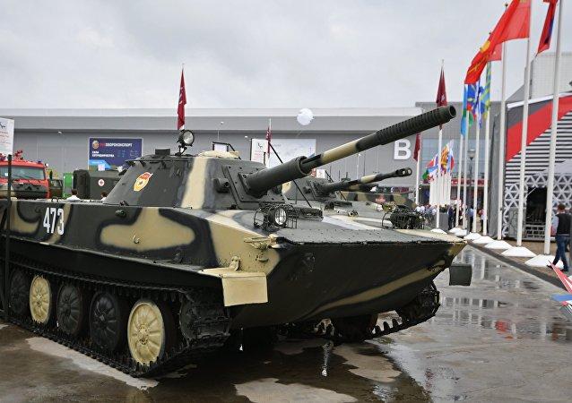 PT-76 soviético (imagen referencial)