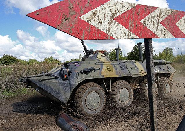 BTR-80, transporte blindado ruso (imagen referencial)