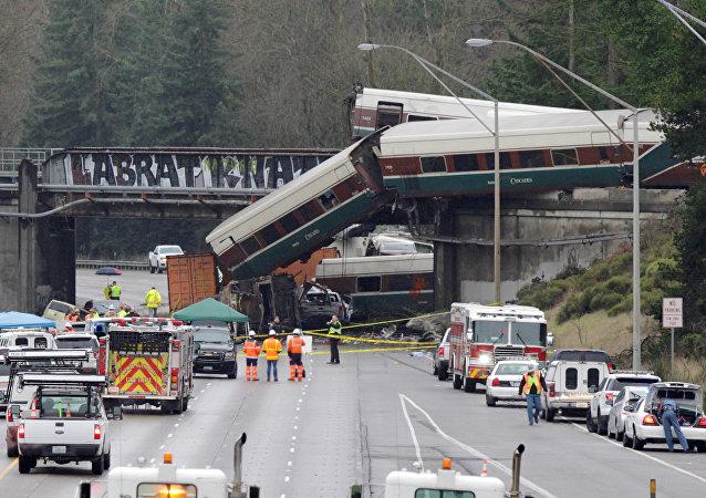 Un tren de pasajeros se descarilla en el estado de Washington, EEUU