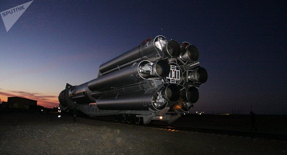 El lanzador Proton-M con un satélite militar a bordo (archivo)