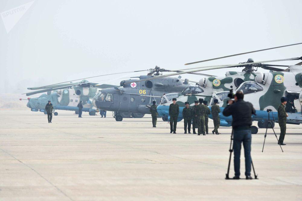 Proteger las fronteras, objetivo prioritario: Rusia entrega armas a Tayikistán