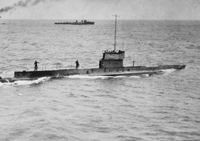 El submarino australiano HMAS AE1, en 1914