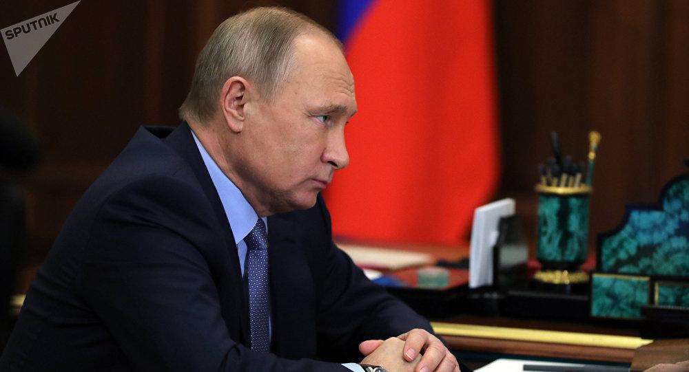 Rusia debe tener las mejores fuerzas armadas para resistir agresiones — Putin
