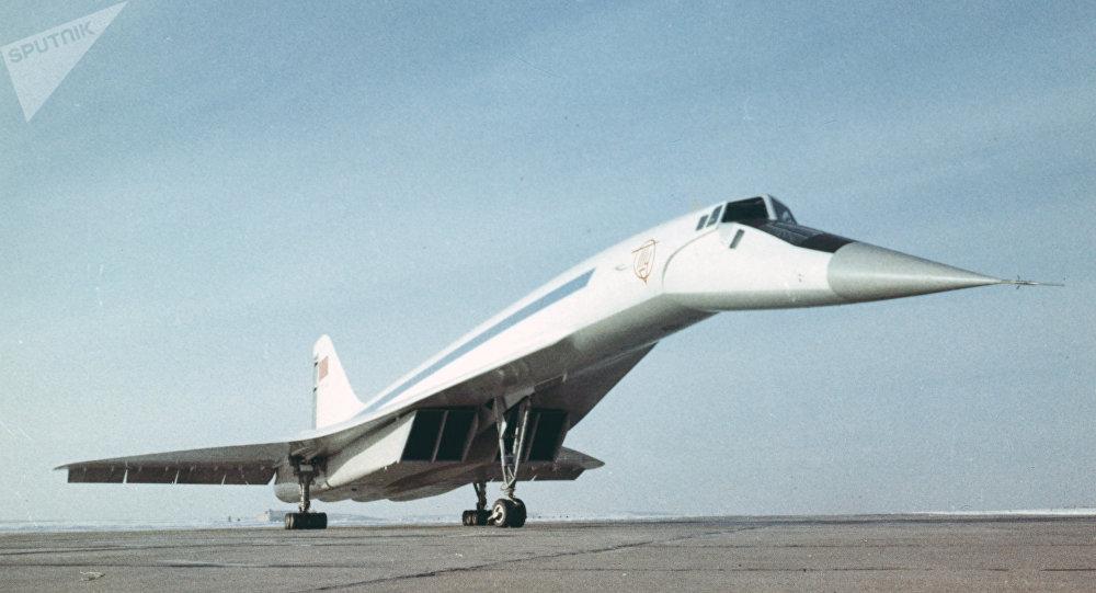 Tu-144, avión de pasajeros supersónico