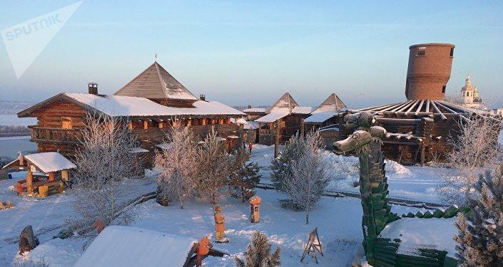 Una vista del hotel 'Abalak' en la región de Tobolsk, cerca de Tiumén. Su estilo arquitectónico está inspirado por los cuentos de hadas rusos
