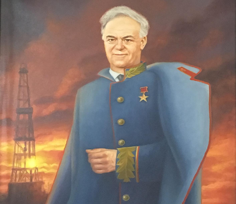 El retrato ceremonial de Víktor Muravlenko, la 'cabeza' detrás de toda la industria petrolera de Siberia. En esta imagen está vestido de uniforme, semejante al de los mariscales de guerra