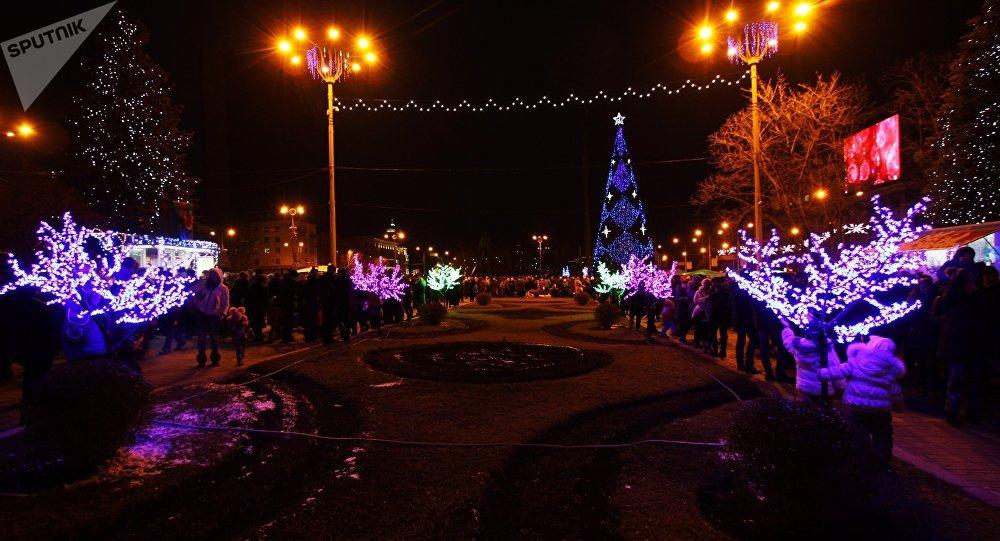 La noche en Donetsk, Ucrania (imagen referencial)