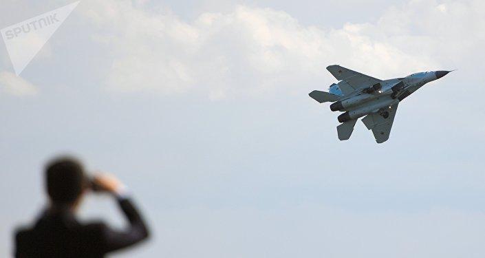 El caza ruso MiG-35 durante un vuelo de demostración