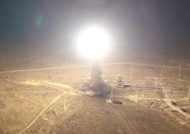 Lanzamiento del misil balístico intercontinental Topol