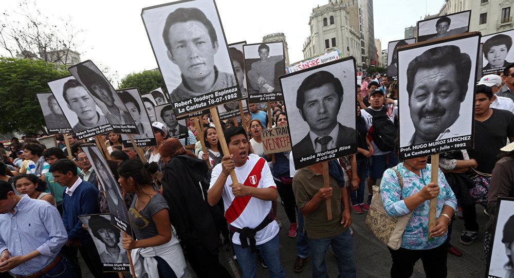 Una movilización contra indulto al expresidente peruano Fujimori (Archivo)