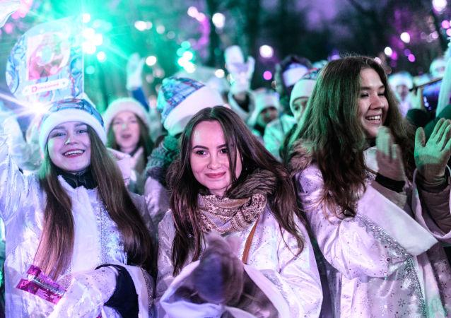 Las 'Nievecillas' rusas se lucen en las calles de Moscú