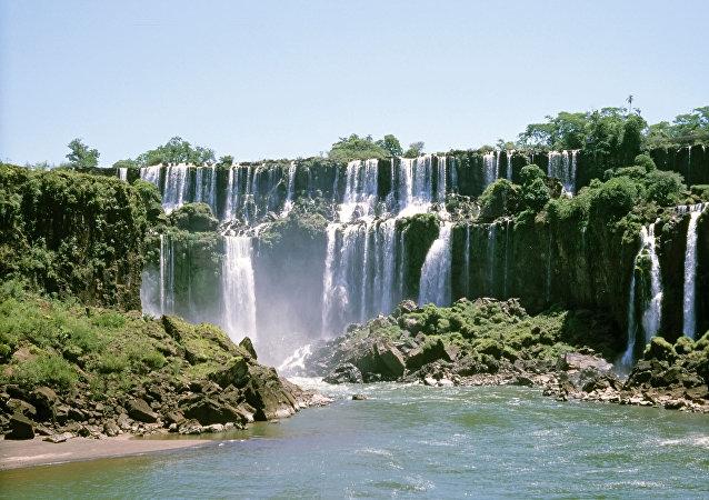 Las cataratas del Iguazú, parte del acuífero Guaraní