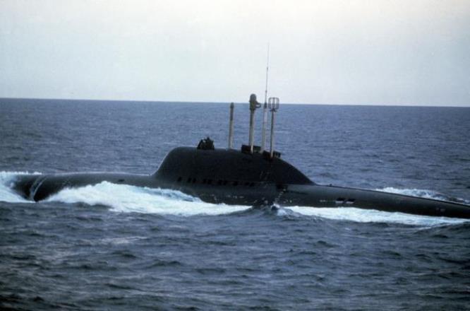 Submarino soviético de proyecto 705 Lira (archivo)