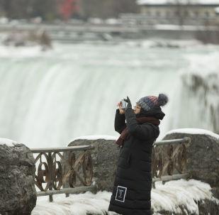 Las cataratas del Niágara se convierten en un cuento de hielo estos días