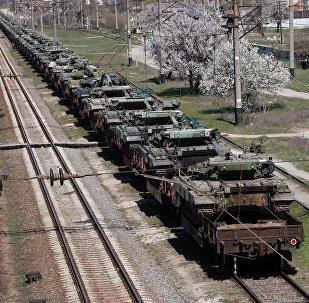 Traslado de equipos militares de Crimea a Ucrania