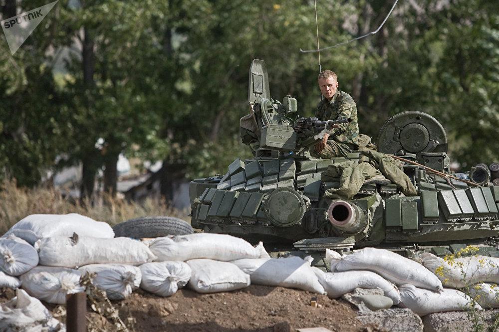Un tanque ruso en Tsjinval, agosto de 2008