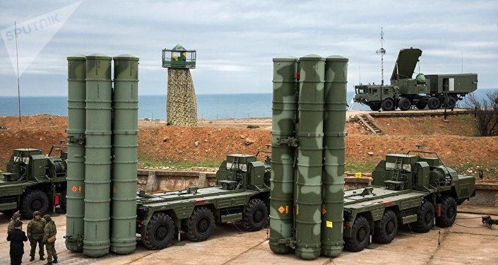 Los sistemas de defensa antimisiles S-400 Triumf