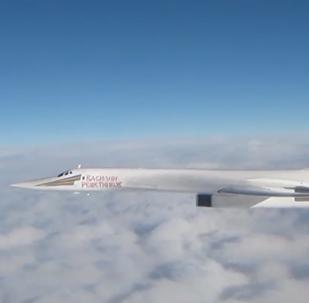 Los Tu-160 rusos, desde la ventana de un caza británico