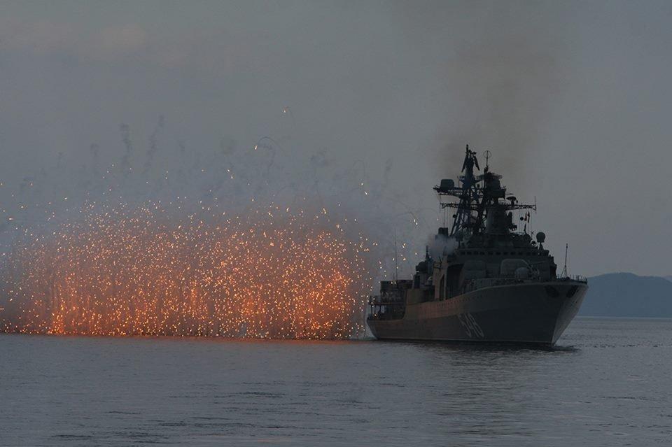 El gran barco antisubmarino Almirante Panteleev