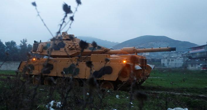 Ejército de Turquía en la frontera con Siria