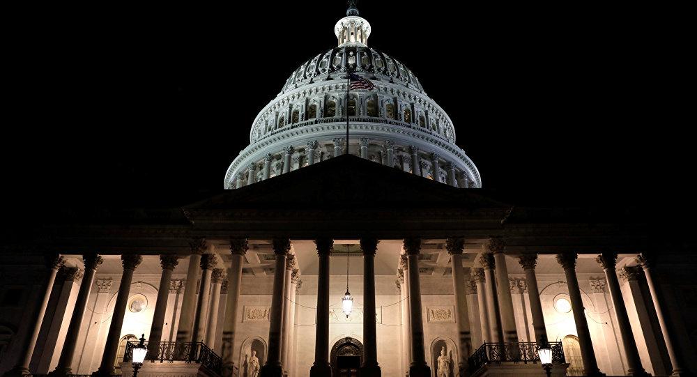 Senado de EU votará este lunes para intentar reabrir el Gobierno federal