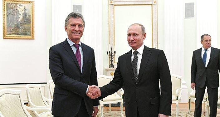 El argentino, Mauricio Macri, y el presidente ruso, Vladímir Putin