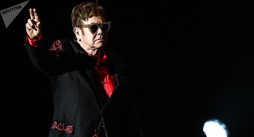 Se despide Elton John con una última gira