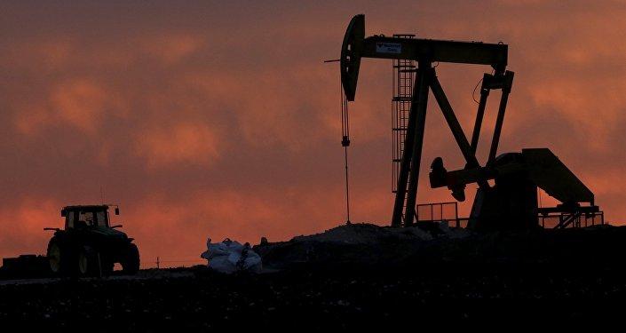Una instalación para extracción de petróleo (archivo)