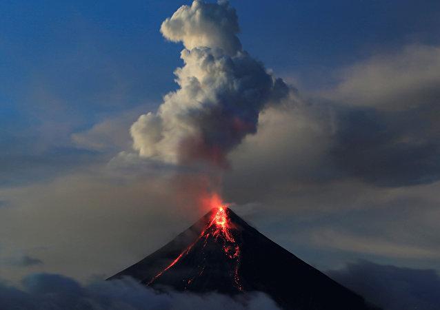 El volcán Mayón en Filipinas