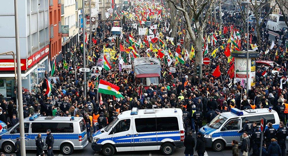 Manifestación prokurda en Colonia, Alemania