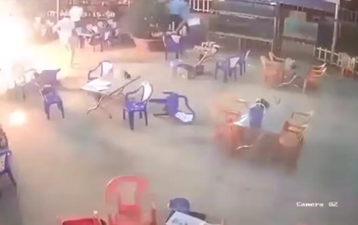 Una pelea en un café vietnamita se sale de control