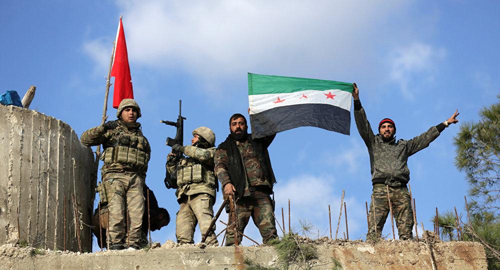 Militares turcos y combatientes del Ejército Libre Sirio