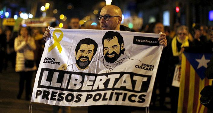Los catalanes exigen la libertad de presos políticos Jordi Sánchez y Jordi Cuixart (archivo)
