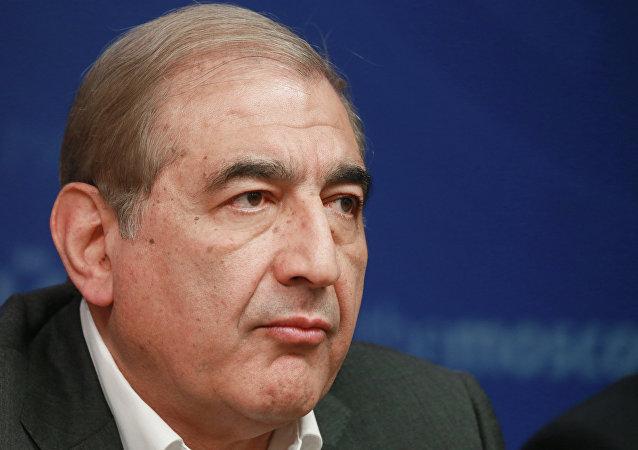 Líder del Frente Nacional para Liberación de Siria Qadri Jamil