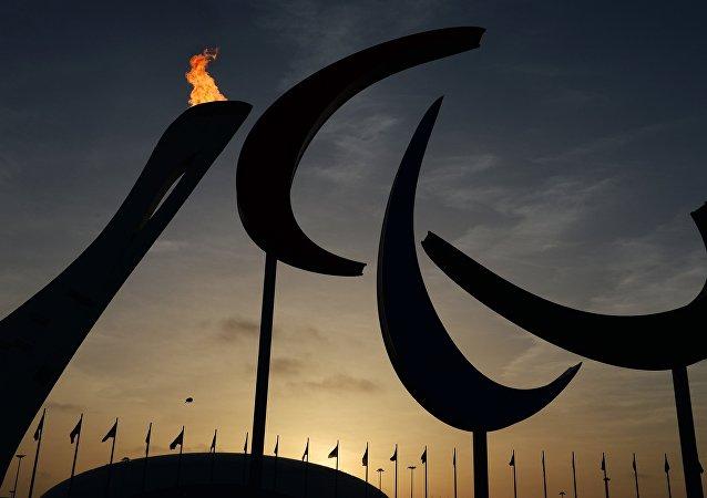 El símbolo y el fuego de los Juegos Paralímpicos en Sochi