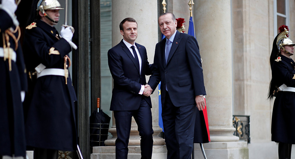 El presidente francés, Emmanuel Macronturco y el presidente turco, Recep Tayyip Erdogan