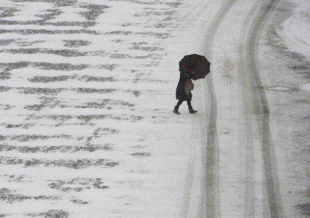Fuerte nevada en Moscú, la capital de Rusia