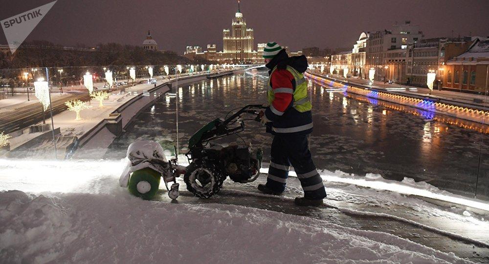 Moscú queda sepultada en hielo tras