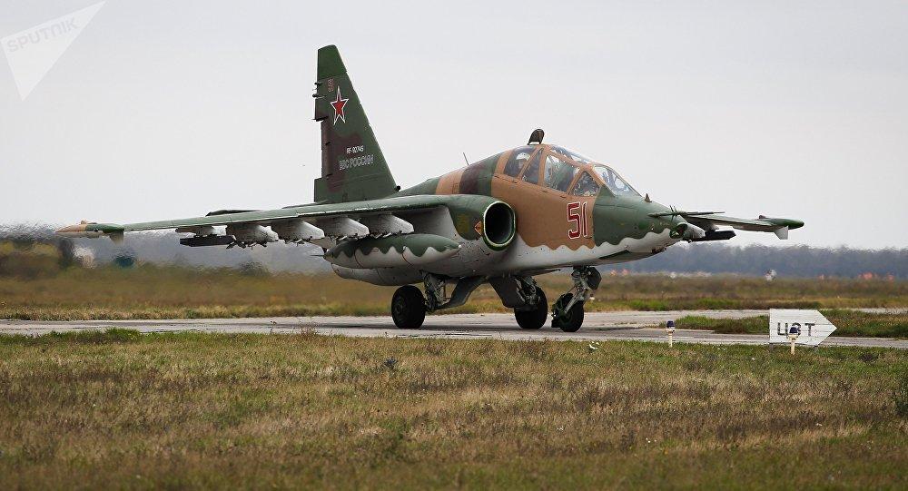 Avión de asalto ruso Su-25 (archivo)