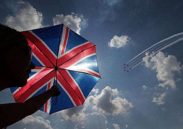 Un paraguas con la bandera del Reino Unido
