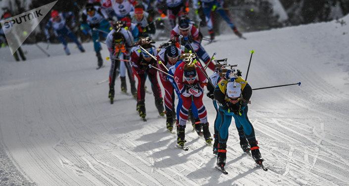 Una competición de biatlón (imagen referencial)
