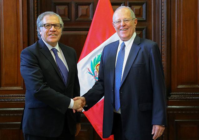 Presidente de Perú, Pedro Pablo Kuczynski, y secretario general de la Organización de los Estados Americanos, Luis Almagro