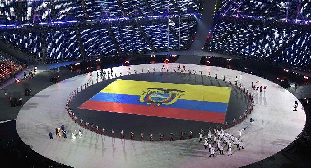 Bandera de Ecuador durante la ceremonia de inauguración de los JJOO de Invierno en Pyeongchang, Corea del Sur