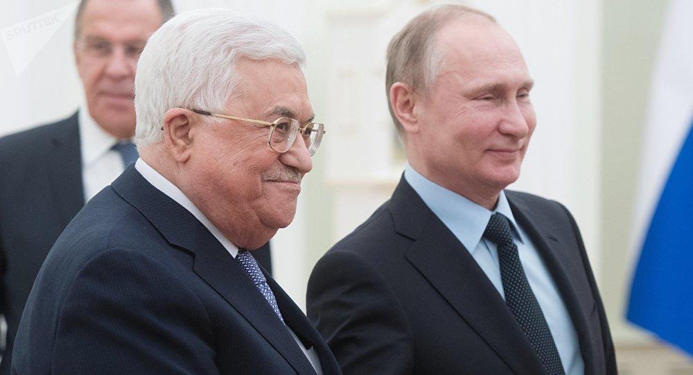 El presidente de Palestina, Mahmud Abás, y el presidente de Rusia, Vladímir Putin