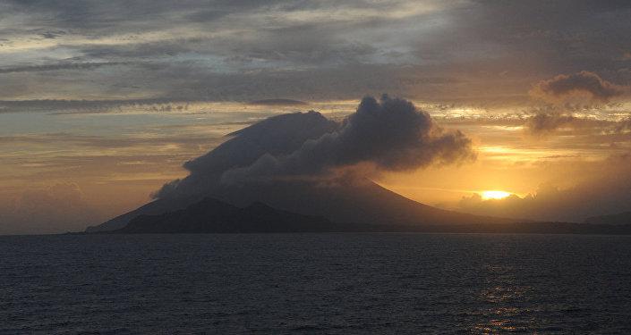 La isla de Kikai cerca de la caldera homónima