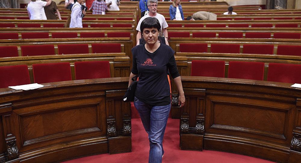 Un juez ordena la detención en España de la independentista catalana Gabriel