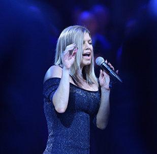 La cantante Fergie interpreta el himno naciona de EEUU antes del partido de baloncesto NBA All Star Game 2018