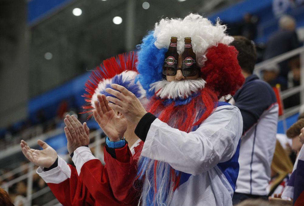 Entre vikingos y Papás Noel: así animan a sus equipos los hinchas de los JJOO de Pyeongchang