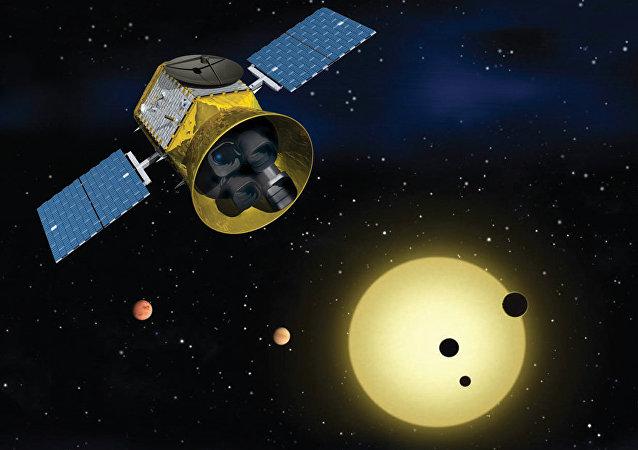 El satélite Transiting Exoplanet Survey (TESS) de la NASA
