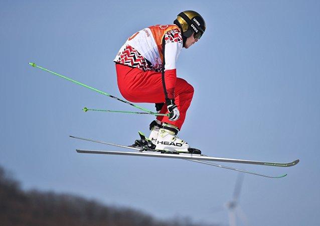 El ruso Sergey Ridzik, que ganó el bronce olímpico de Pyeongchang en el skicross de esquí acrobático